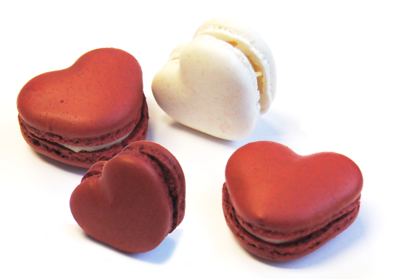 AMACARONS HEART MACARONS ASS 35 ST ( 21 X ROOD / 14 X WIT ) <*_*>